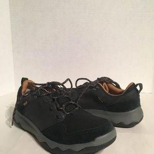 Teva Men's Arrowood Lux Mid Black Trail Shoe